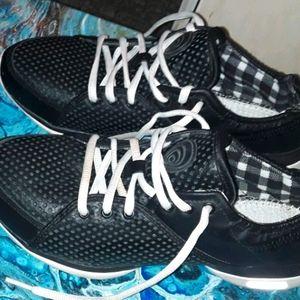 Reebok Easy Tone Exercise Shoes